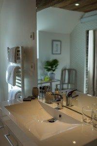 Salle de bain, chambre Araucaria vue mer