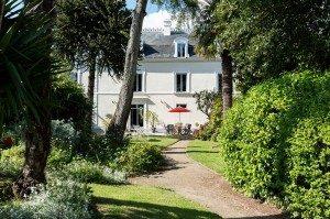 le jardin des chambres d'hotes à saint Malo villa Saint Raphael