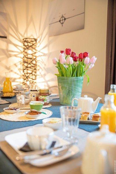 Le petit-déjeuner au salon